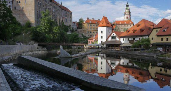 (Český Krumlov, Böhmisch Krumau) Czeski Krumlow, przy starym młynie.