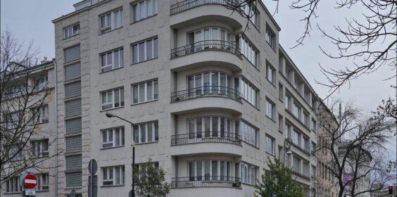 Warszawa, ul. Wilcza 71 w 2009 vs. 2019
