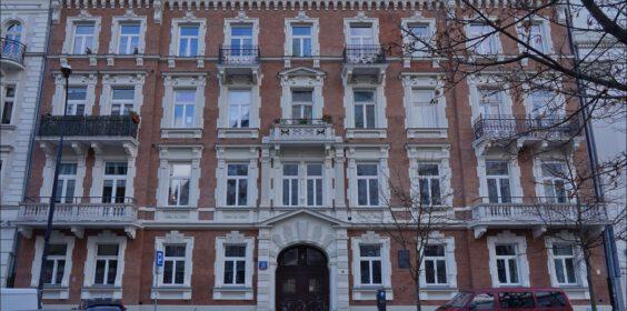 Warszawa ul. Wiejska 21 i ul. Wiejska 11 w 2008 i 2020