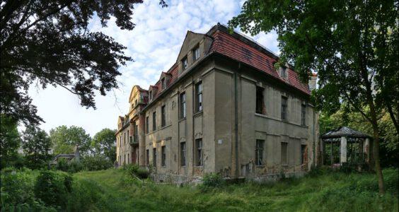 Pałac Trawniki