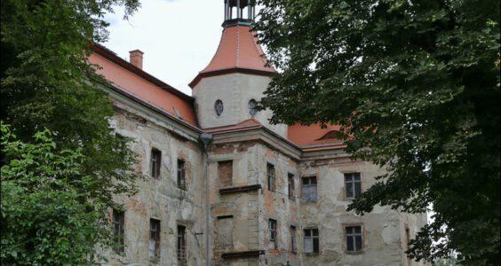 Pałac Domanice i wielki poniemiecki folwark