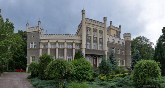 Świebodzice, Pałac Hochbergów