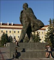 Pińsk, pomnik Wielkiej Wojny Ojczyźnianej i Plac Lenina