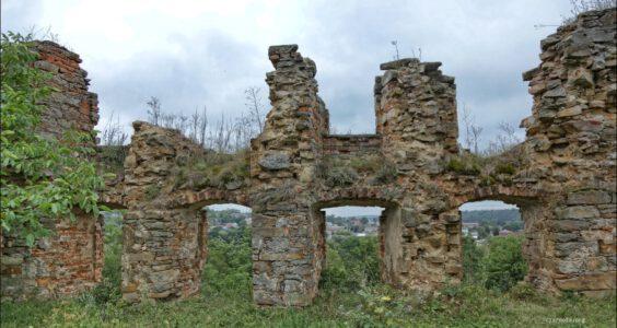 Ukraina, (Мику́линці, Микулинцы) Mikulińce, Zamek