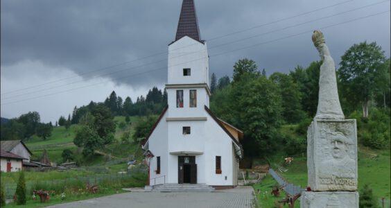 (Pojana Mikuli, Poiana Micului) Ślady Polaków w Rumunii, wieś na południowej Bukowinie, zamieszkana w dużej części przez Polaków