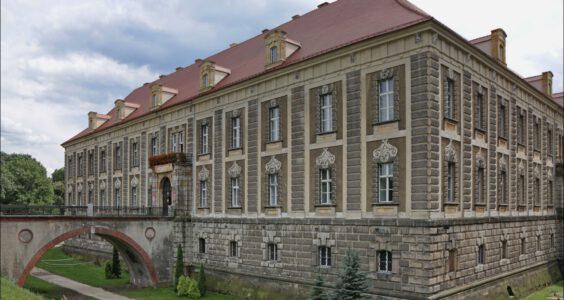 Zespół pałacowo-parkowy w Żaganiu w 2013 roku