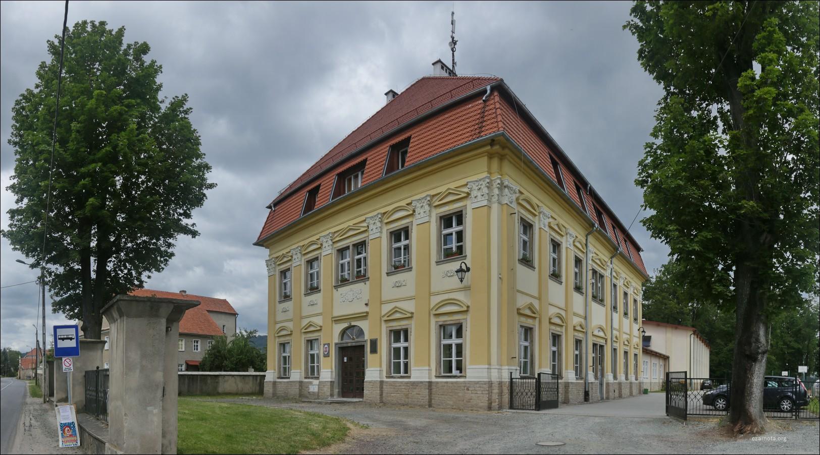 Pałac Budzów