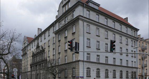 Warszawa ul. Sierakowskiego 7, Dawny Żydowski Dom Akademicki
