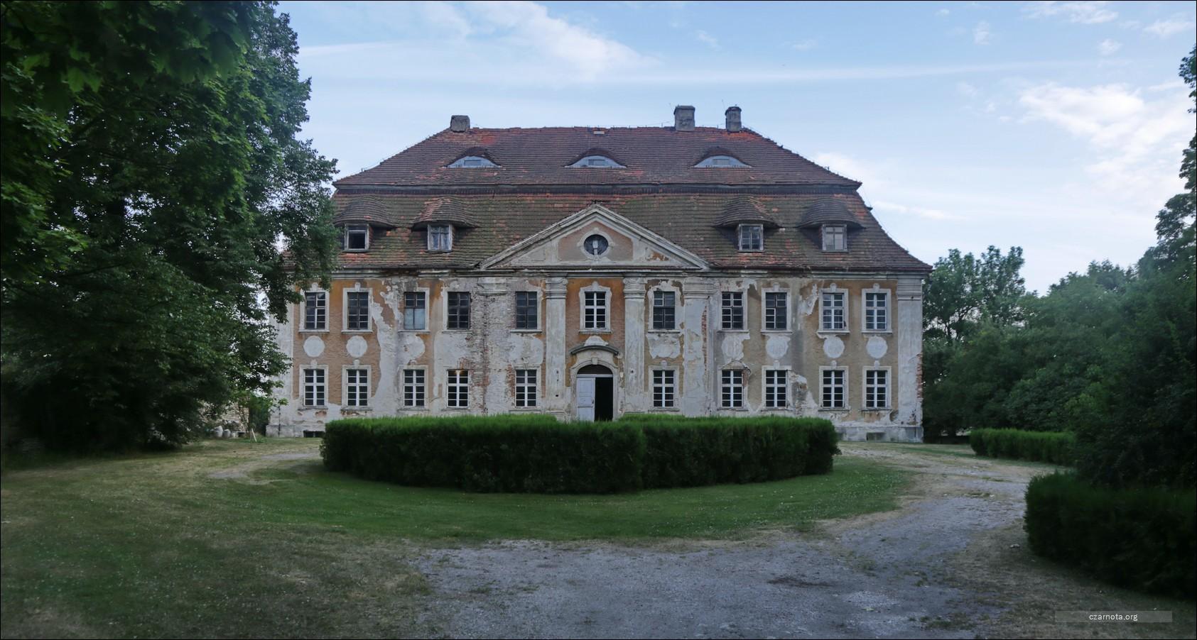 Żeleźnik, pałac i kościół
