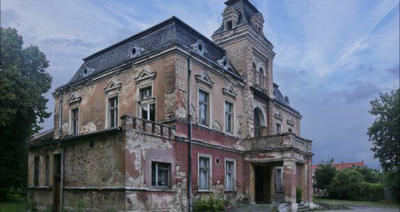 Łojowice, pałac i folwark